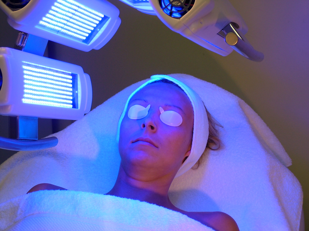 Led-Light-Therapy.jpg